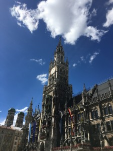 The glockenspiel in the tower chimes at 11 am, noon and 5 pm.